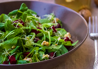 Arugula, Beets and Walnuts Salad