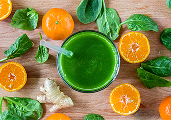 Tangerines and Spinach Juice